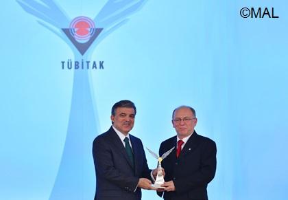 President_Gul_Altintas_award picture2013-12-03-tubitak-07